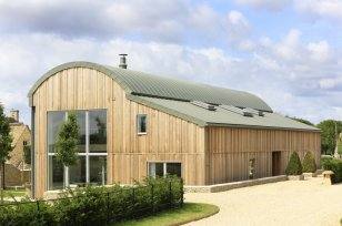 The Dutch Barn, Mill Farm, Ewen, Gloucestershire (UK)