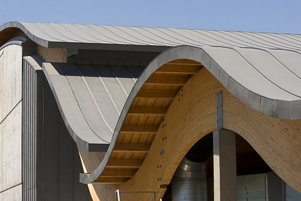 Standing Seam Warm Roof On Plywood Bonded To Phenolic Foam